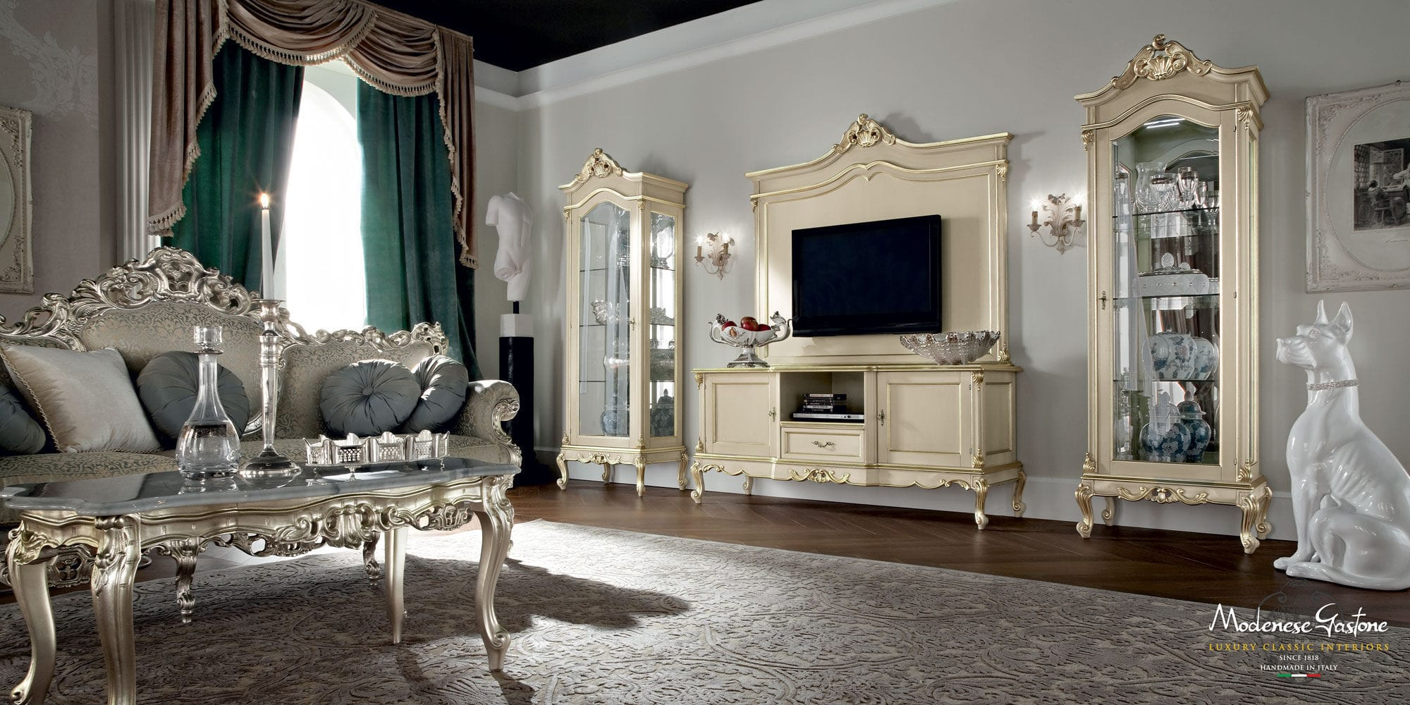... Classic TV Cabinet / Wooden .CASANOVA Modenese Gastone Luxury Classic  Furniture