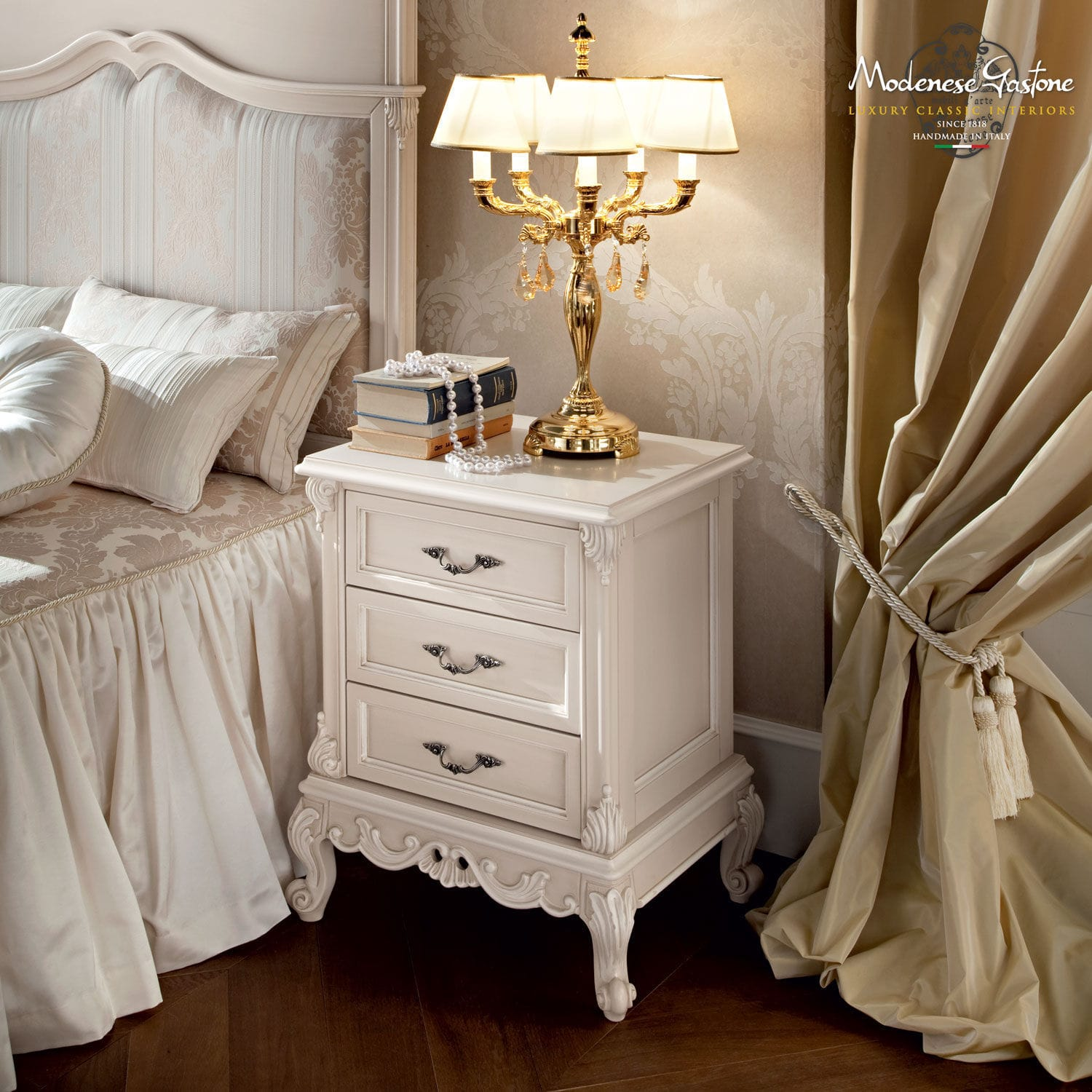 Classic bedside table - Bedside Table Classic Wooden Rectangular Casanova Modenese Gastone Luxury Classic Furniture