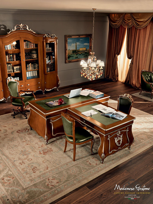 Wooden Desk Classic Commercial