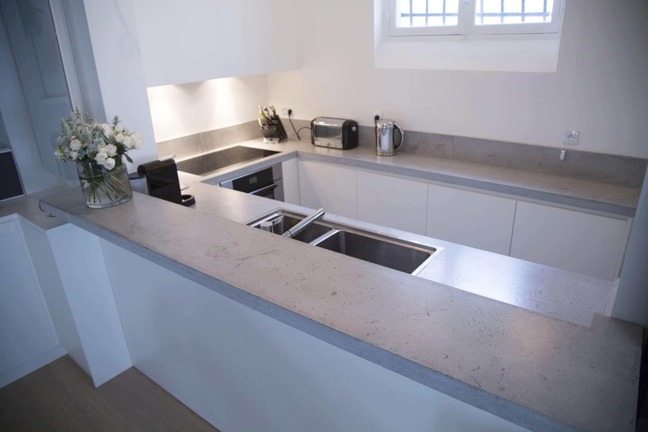 Concrete countertop / kitchen - Cuisine & crédence en béton ...