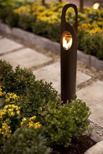 Superb Garden Torch   CYRUS