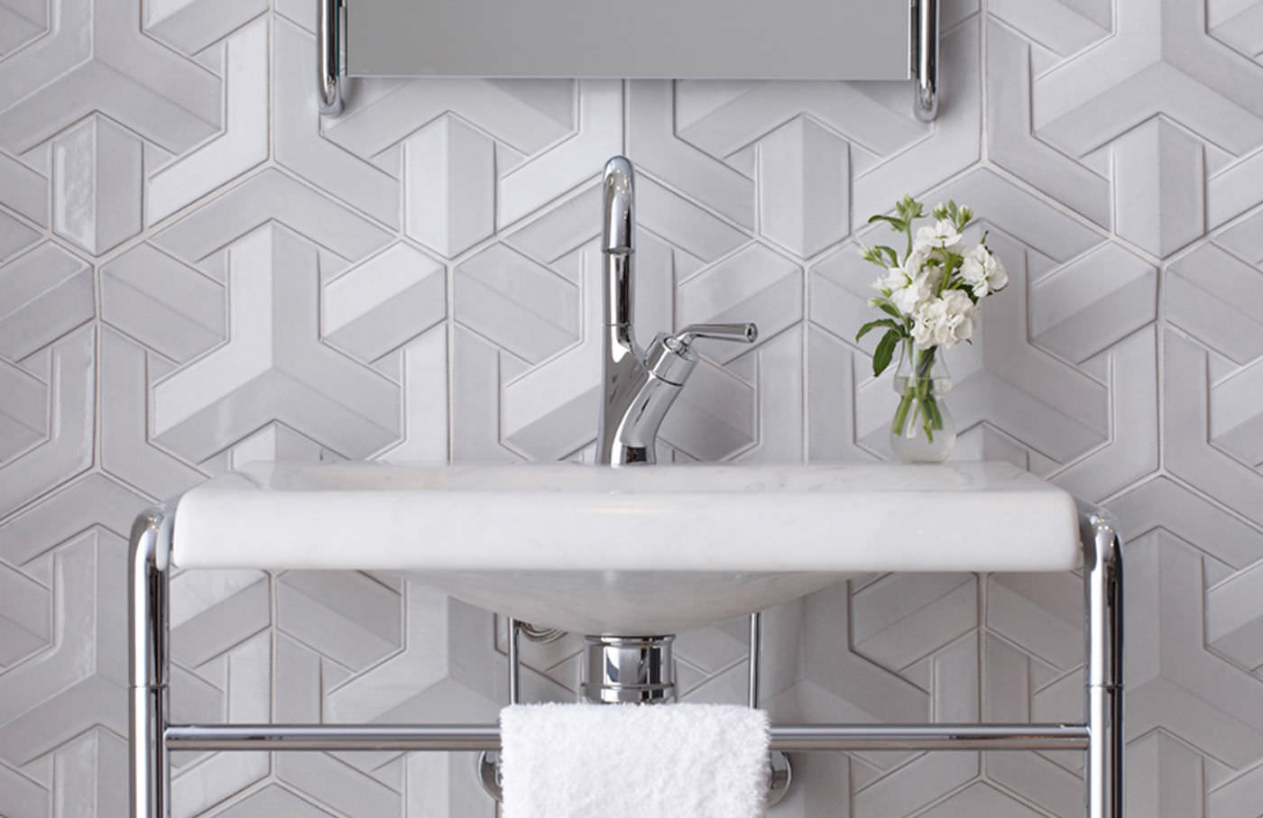 bathroom tile / wall / concrete / geometric pattern - geo weave