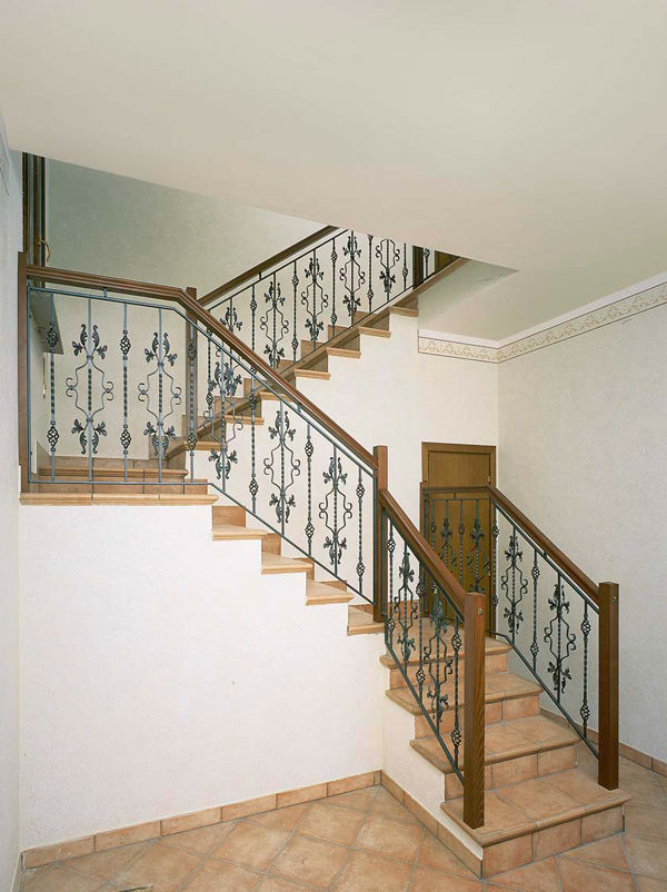 Wrought iron railing / with bars / indoor / for stairs - RINGHIERE ...