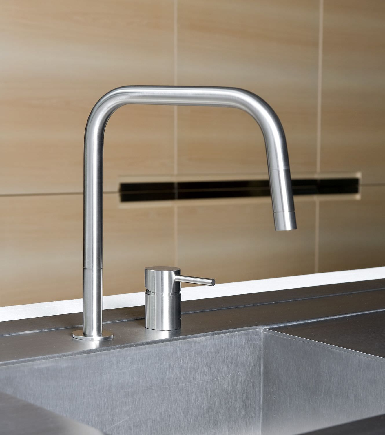 Stainless Steel Mixer Tap Kitchen 2 Hole With Pull Out Spray