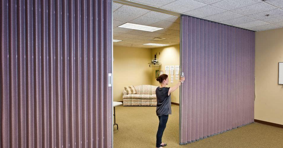 folding partition / fabric / laminate / professional. ACCORDION Hufcor & Folding partition / fabric / laminate / professional - ACCORDION ...