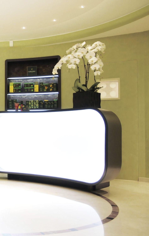 Laminate Reception Desk Illuminated For Hairdressers