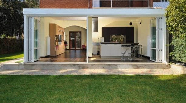 Sliding and stacking patio door / aluminum / double-glazed - S.51 ...