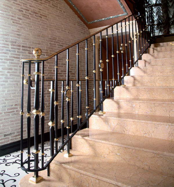 ... Wrought Iron Railing / With Bars / Indoor / For Stairs