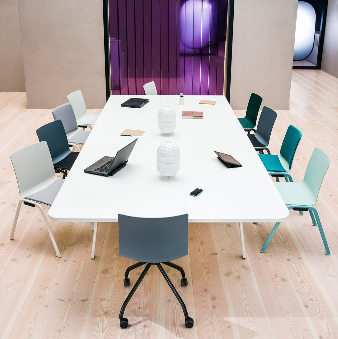 Contemporary Boardroom Table / Wooden / Rectangular / Round
