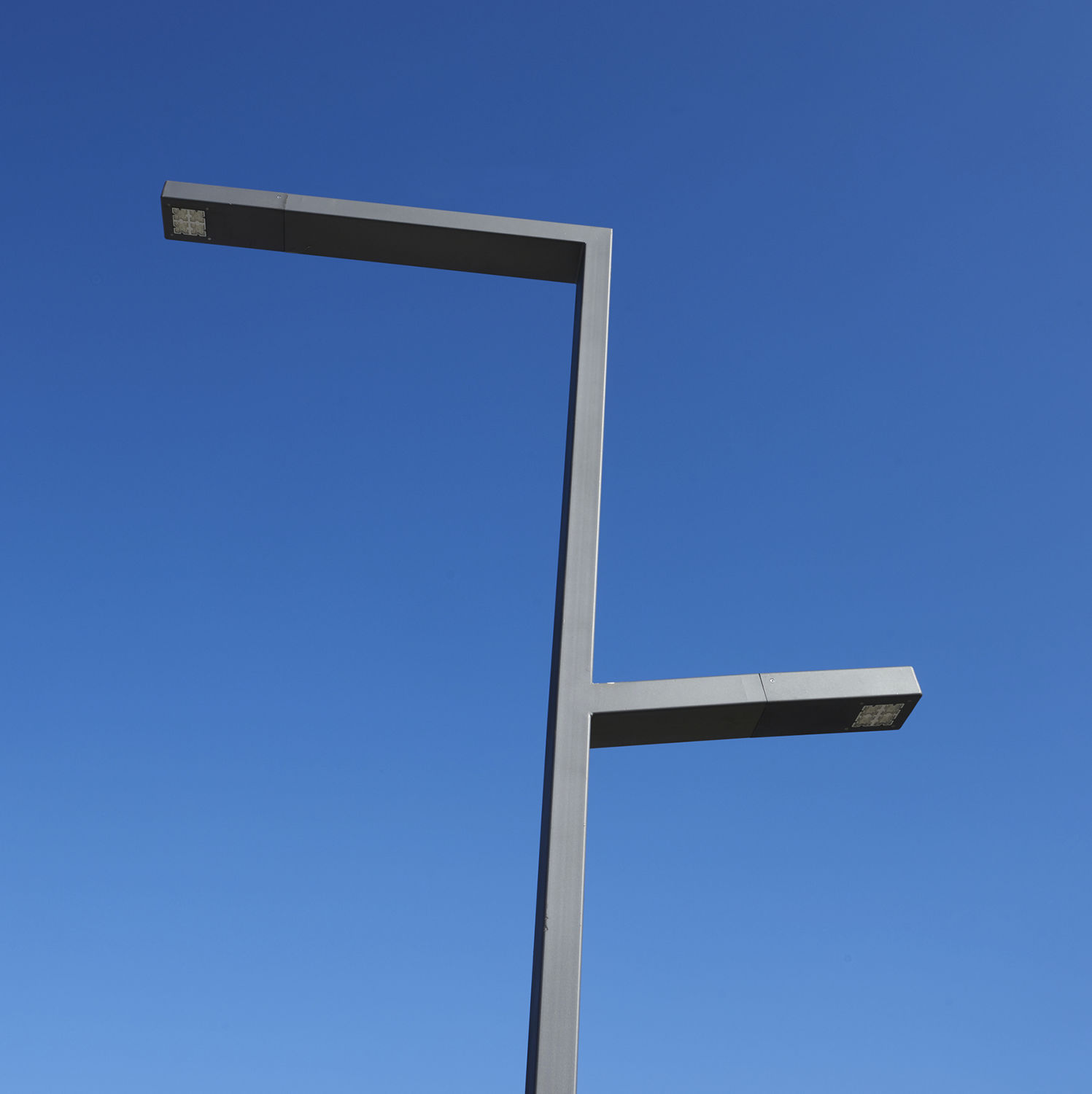 Urban lamppost / contemporary / metal / LED - GEMINI - LARUS DESIGN for Street Lamp Post Design  66pct