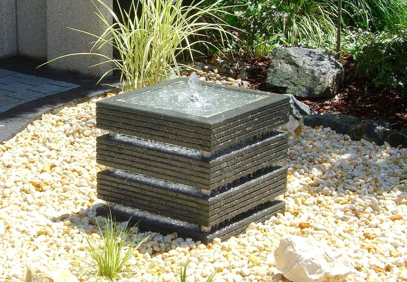 Beau Garden Fountain / Contemporary   KREATIV QUADER