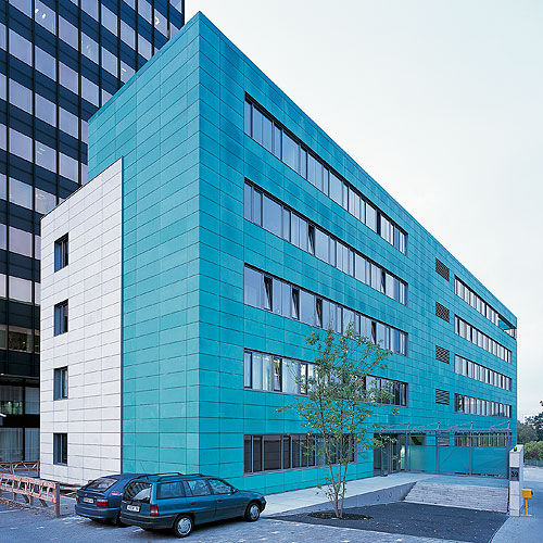Natural stone cladding / patina / cassette - OFFICE BUILDING DBV
