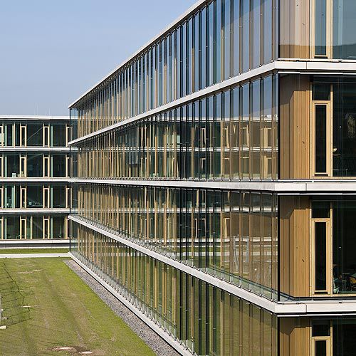 Wooden cladding / smooth / strip. MAX-BORN-BERUFSKOLLEG, RECKLINGHAUSEN  Schindler