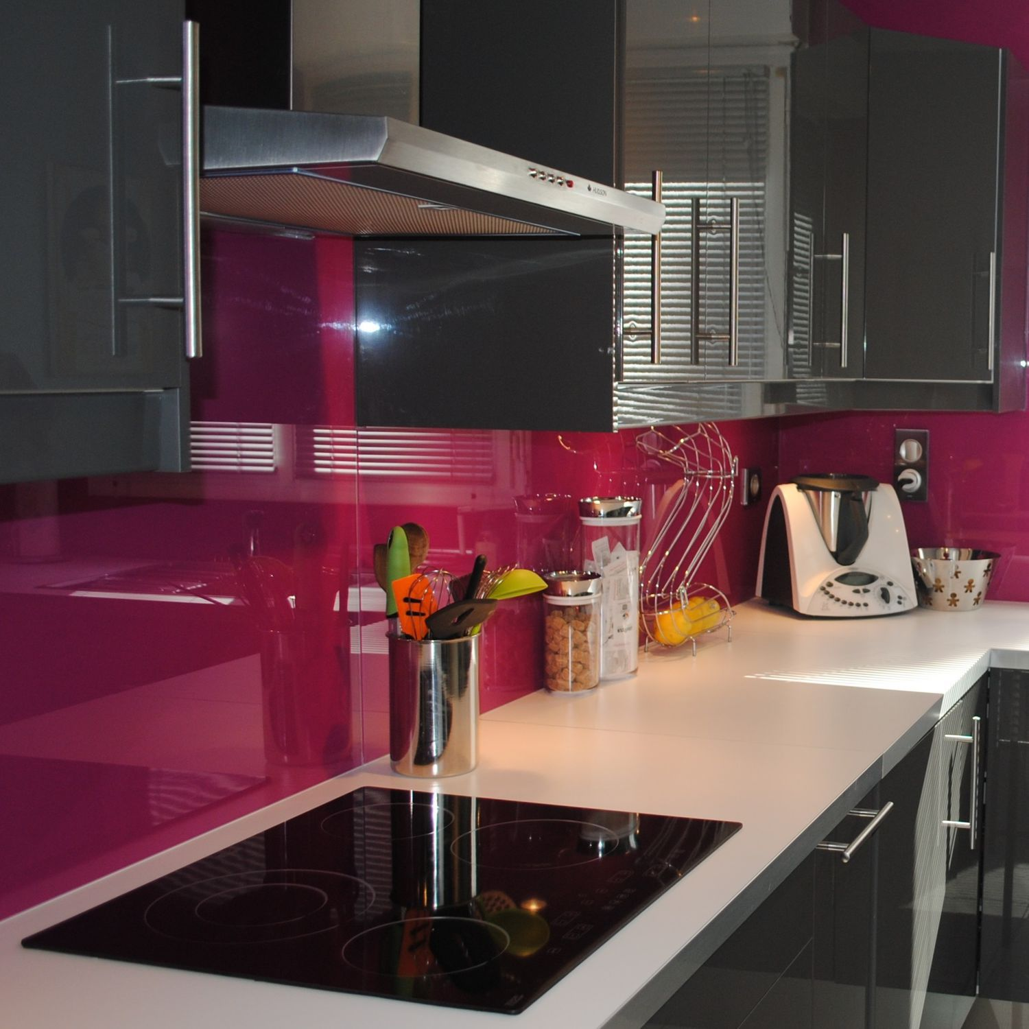 Delightful Float Glass Glass Panel / For Interior / Lacquered / Opaque   CREDENCE  FUCHSIA