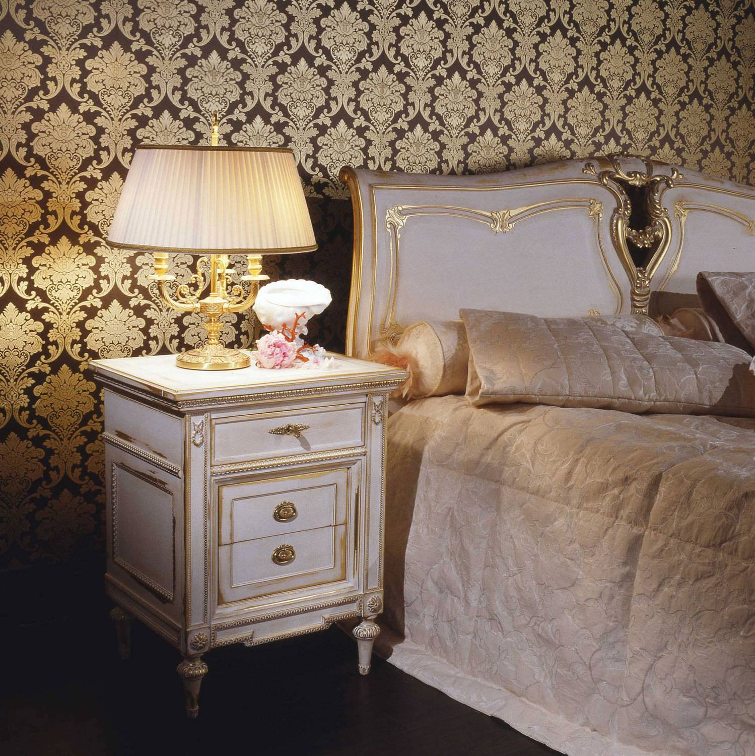 Louis xvi bedroom furniture -  Louis Xvi Style Bedside Table Wooden Rectangular White And Gold Vimercati Meda Luxury Classic