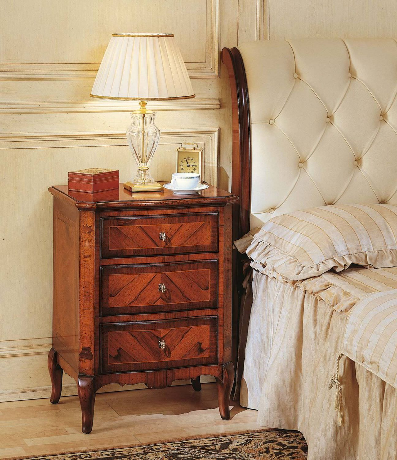 Classic bedside table - Bedside Table Classic Walnut Rectangular French 19th Century Vimercati Meda Luxury Classic Furniture