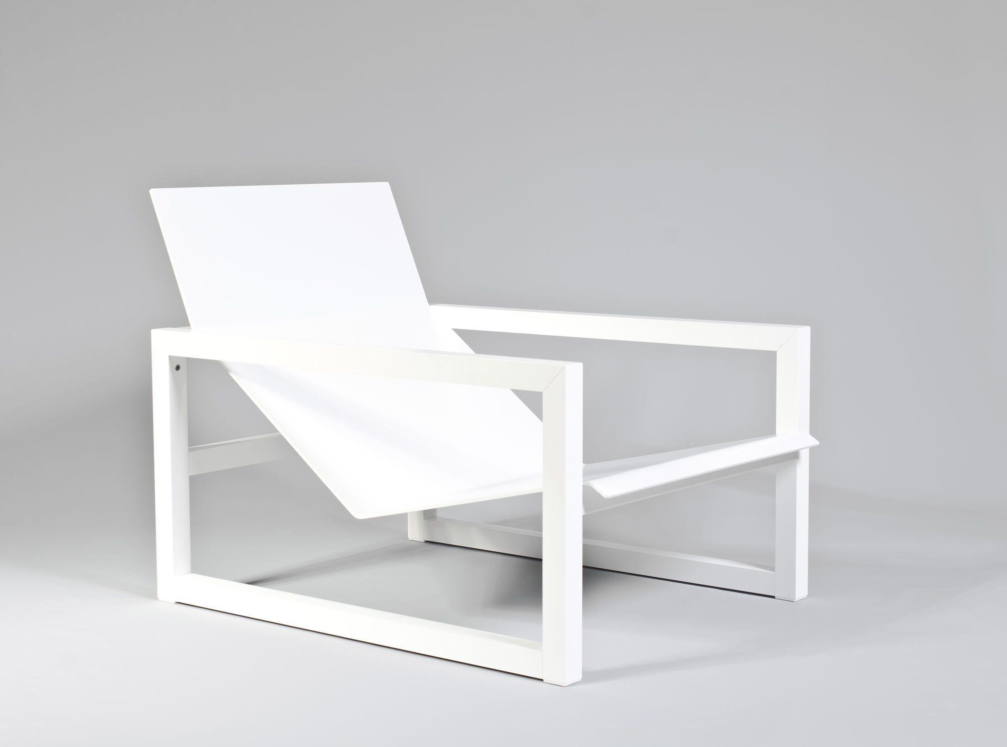 Outdoor Chaise Longue   SPIKES