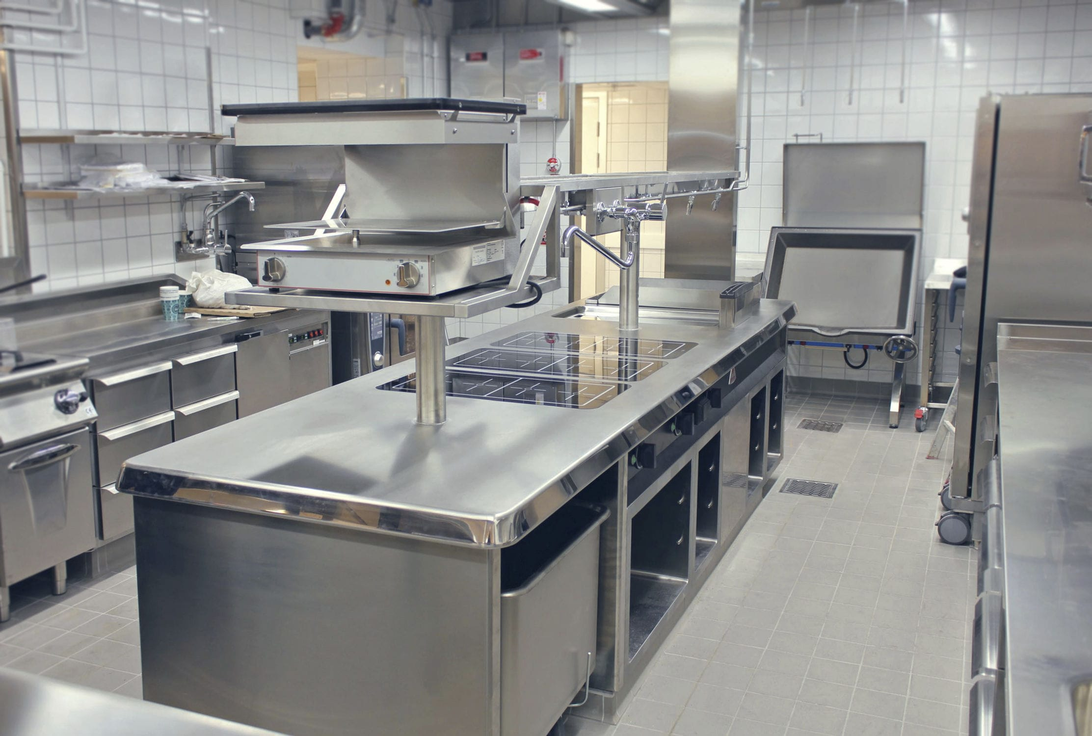 Contemporary Kitchen / Stainless Steel / Modular / Commercial