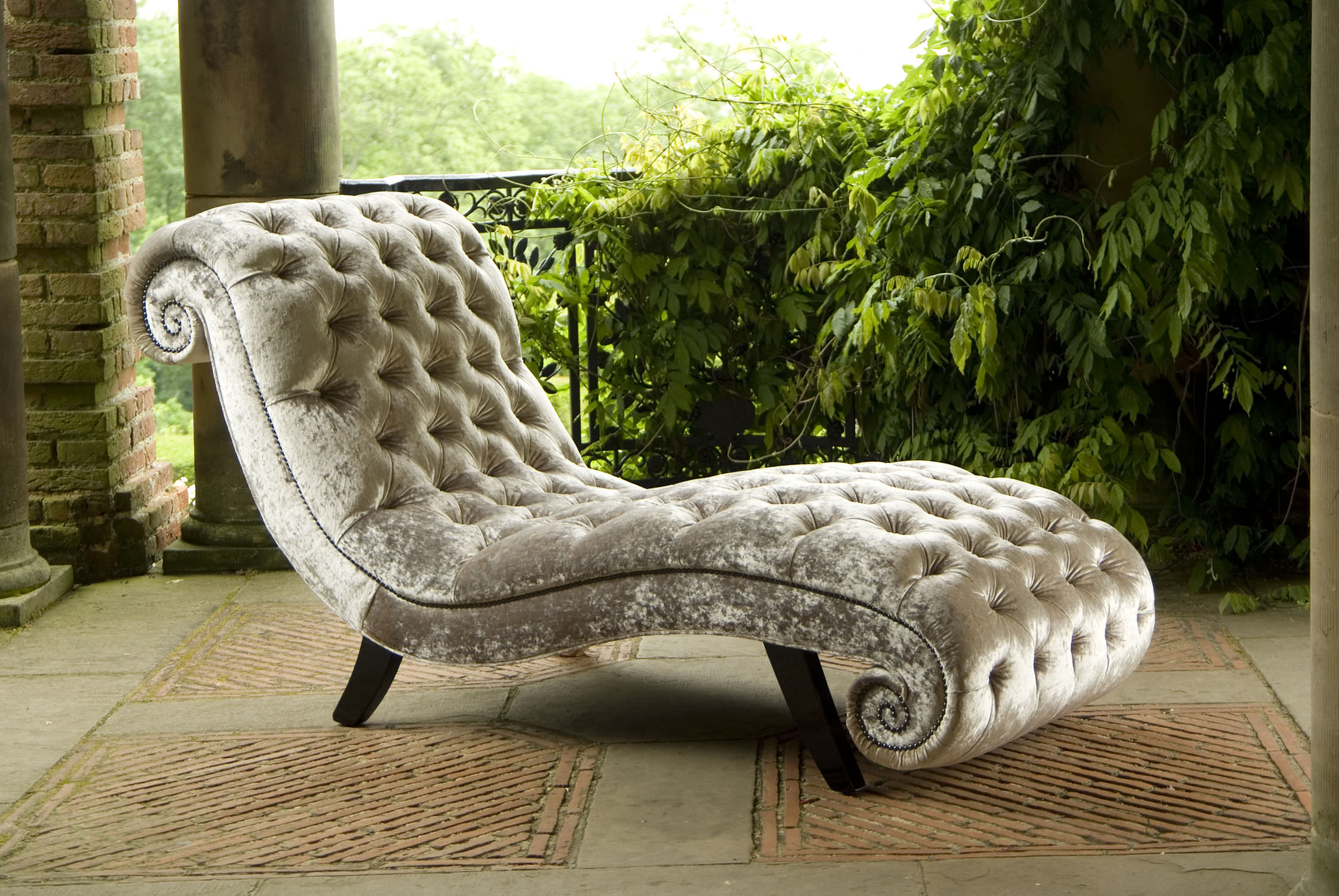 Chesterfield chaise longue / fabric - PARISIAN - Kingsgate Furniture ltd