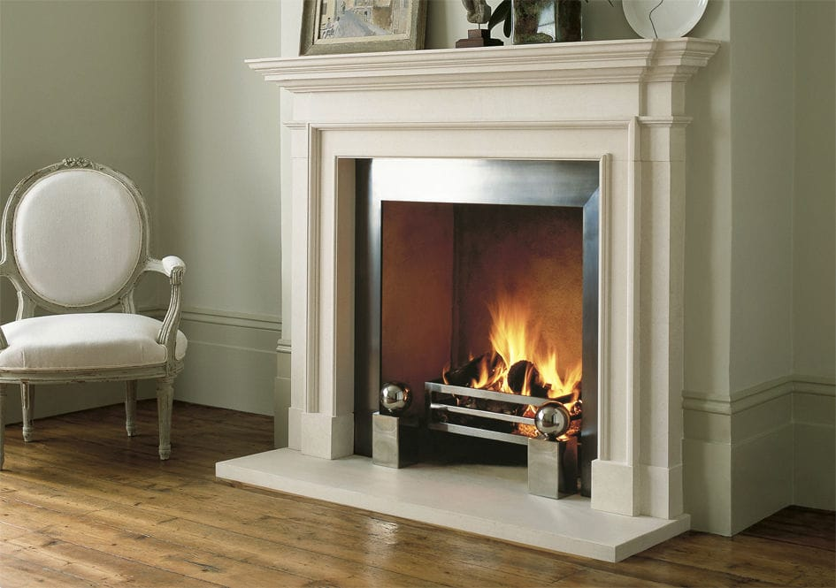 Traditional fireplace mantel / limestone - THE BURLINGTON - Chesney