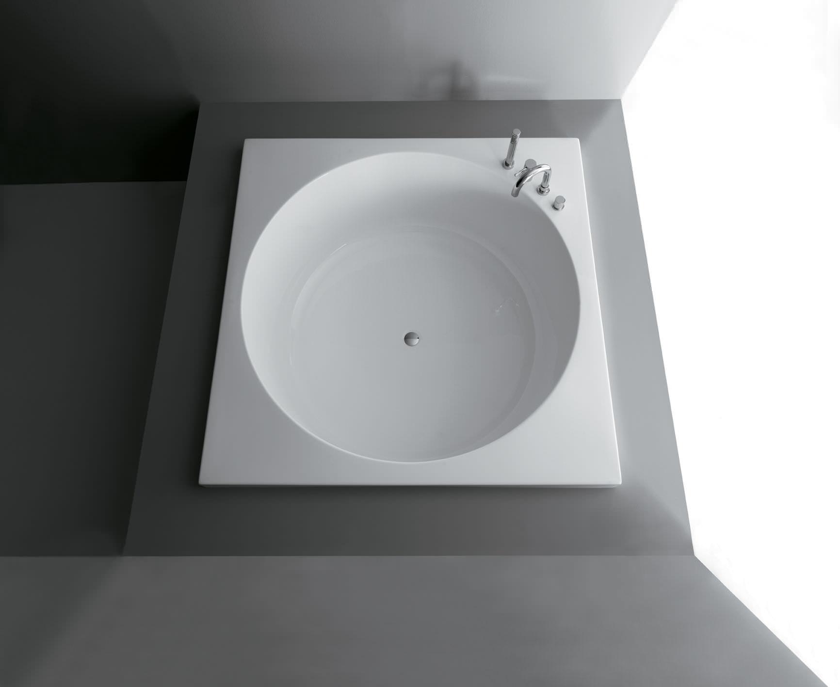 square bathtub / acrylic - sharmalessandro paolelli - colacril