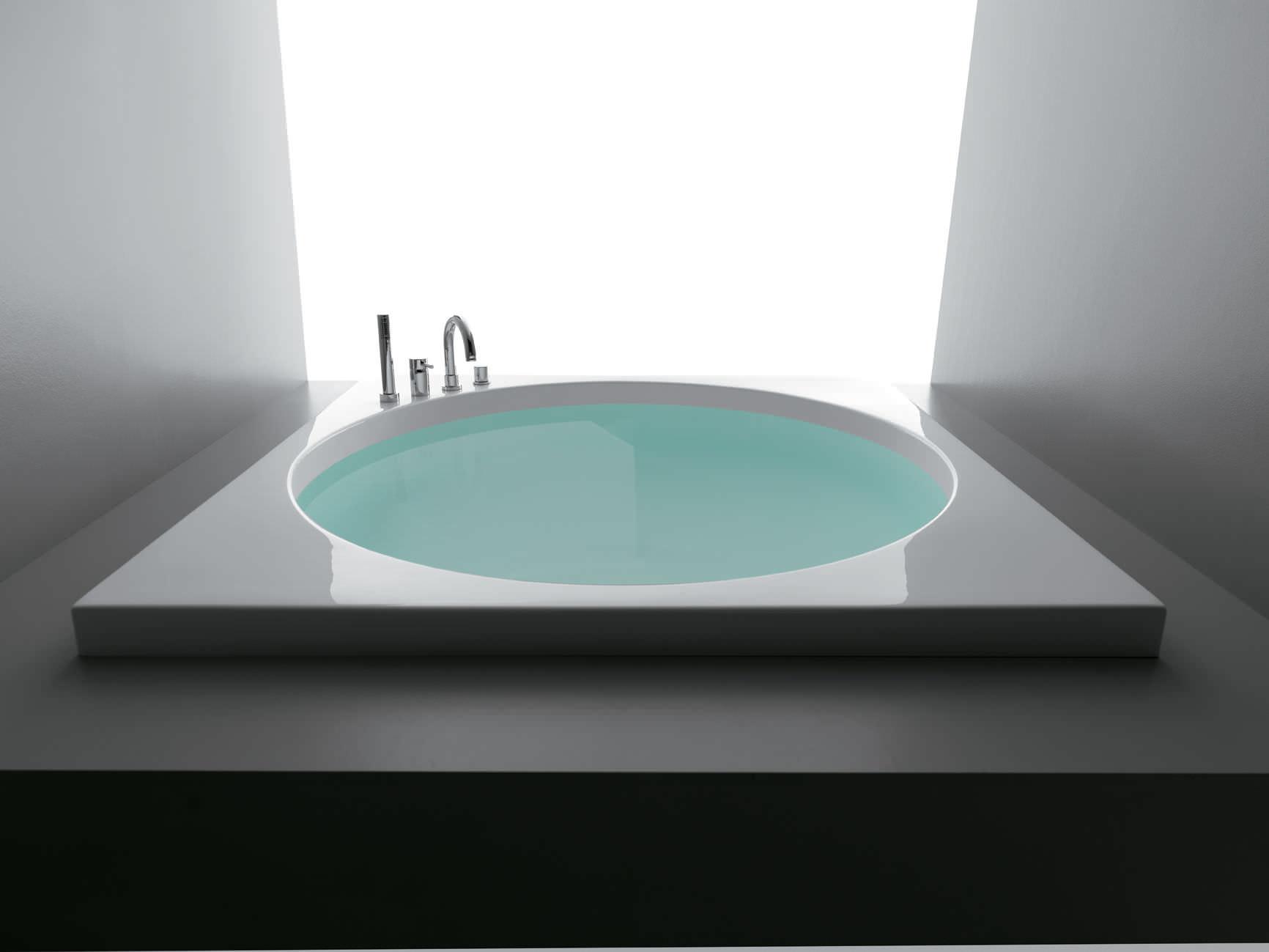 Square bathtub acrylic SHARM by Alessandro Paolelli COLACRIL