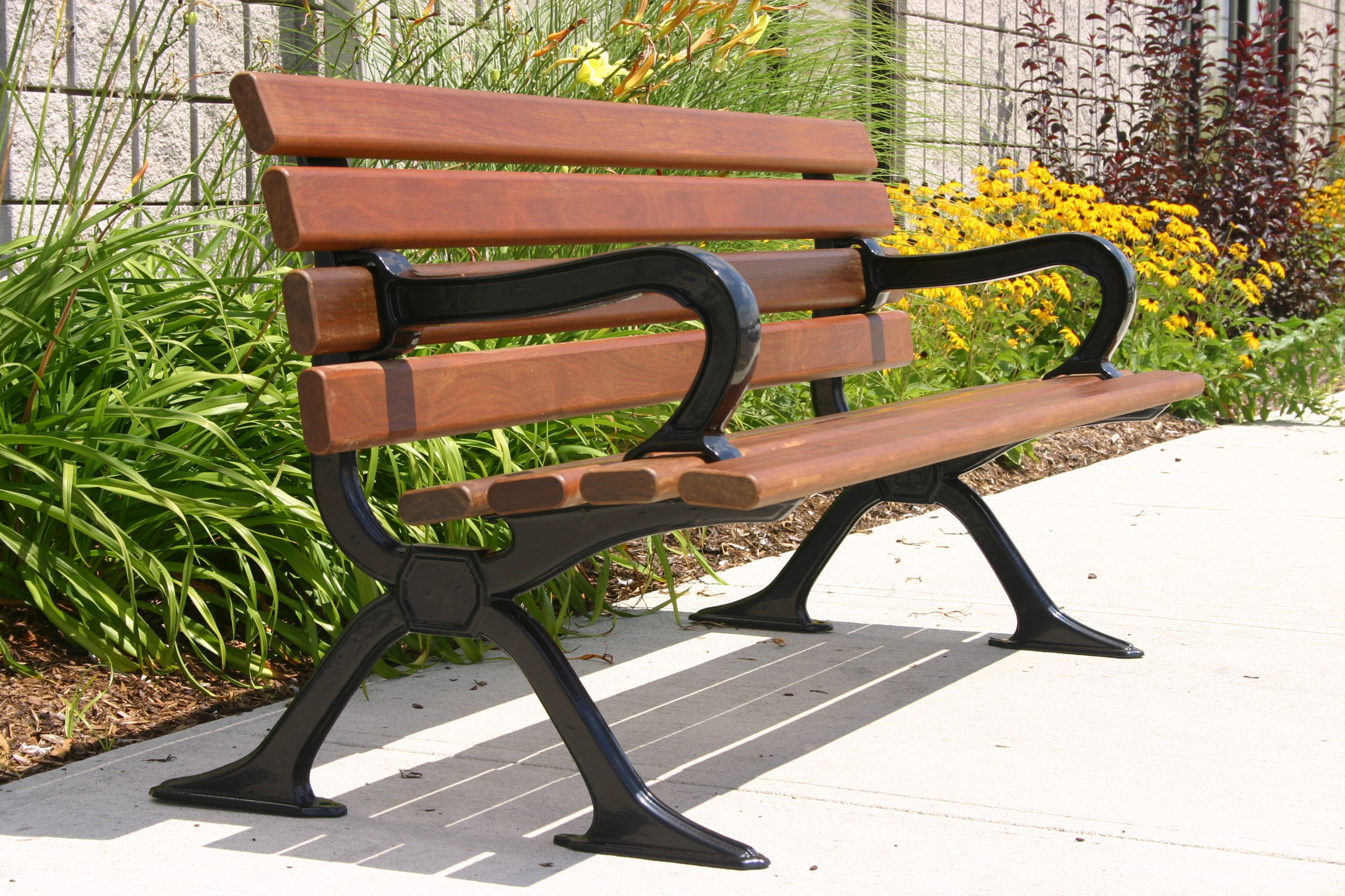 Public Bench  Traditional  Ipe  Cast Aluminum MLB Maglin - Ipe outdoor furniture