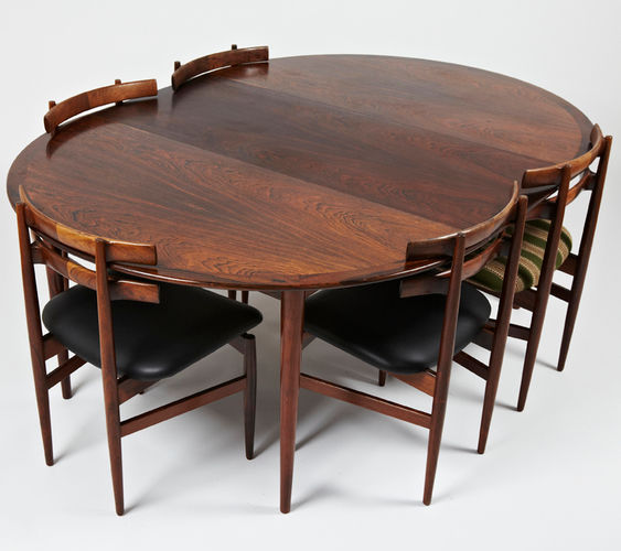 Scandinavian Design Dining Table / Rosewood / Round / Oval   1961   1969 By  G. Jalk