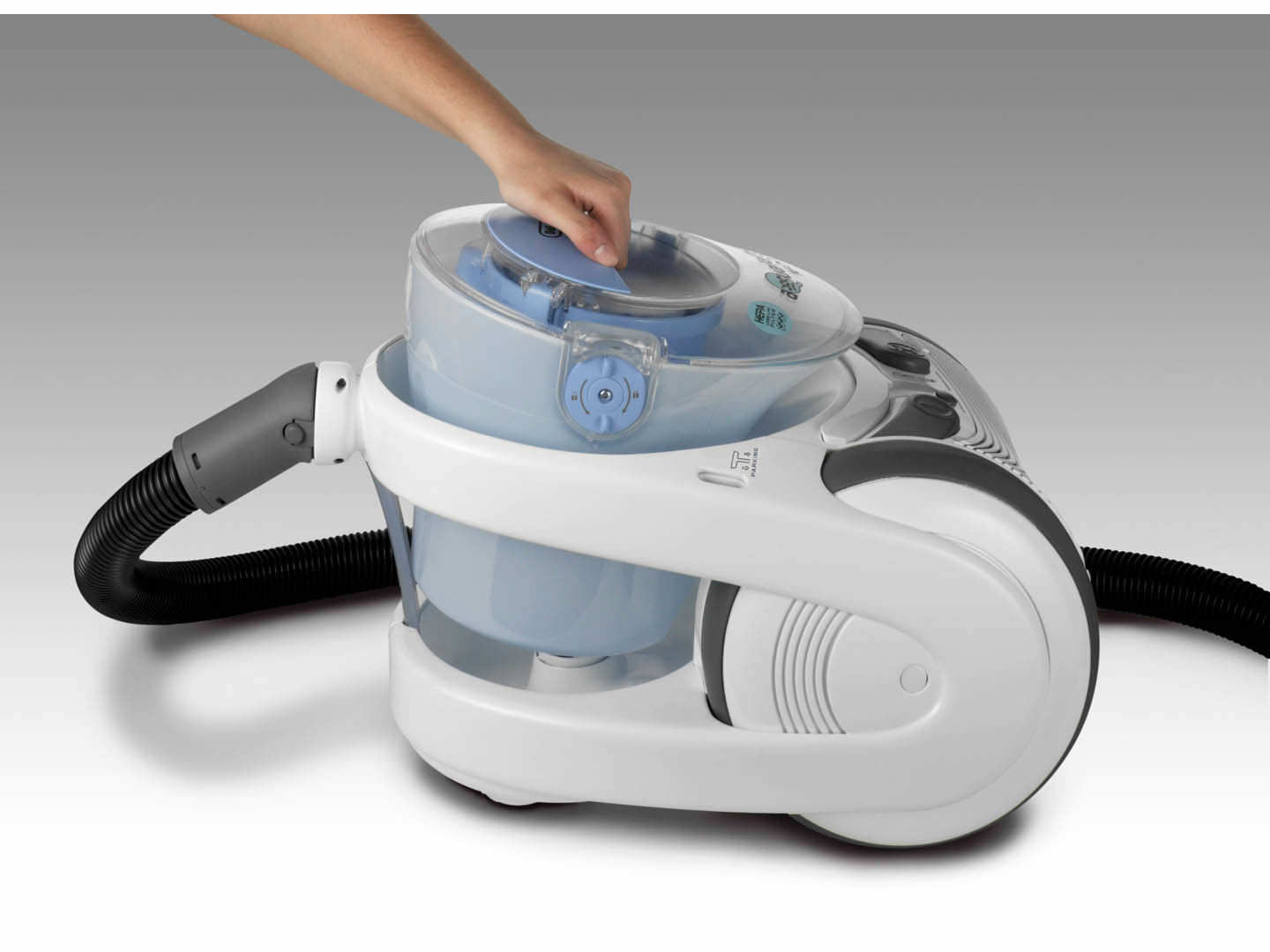 residential vacuum cleaner canister water wff 1600e delonghi - Vacuum Cleaners With Water