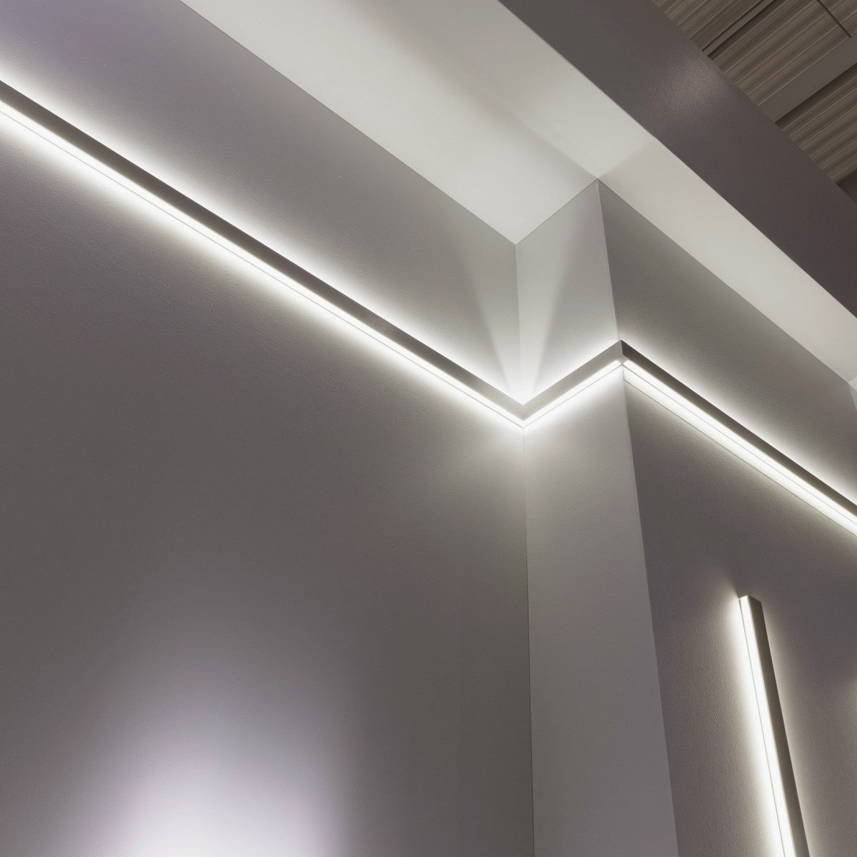 Wall-mounted lighting profile / LED / modular lighting system ...