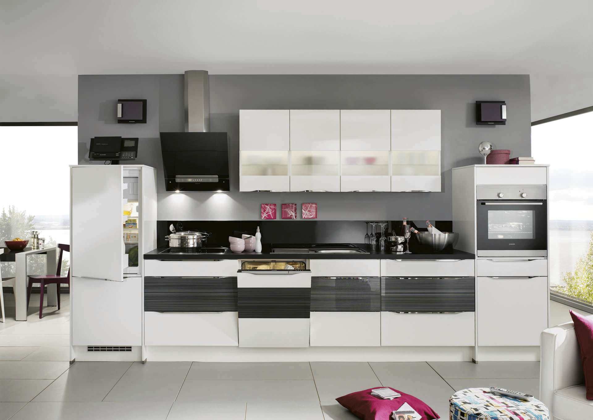 Contemporary kitchen / wooden / lacquered / high-gloss - HIGHLIGHT ...