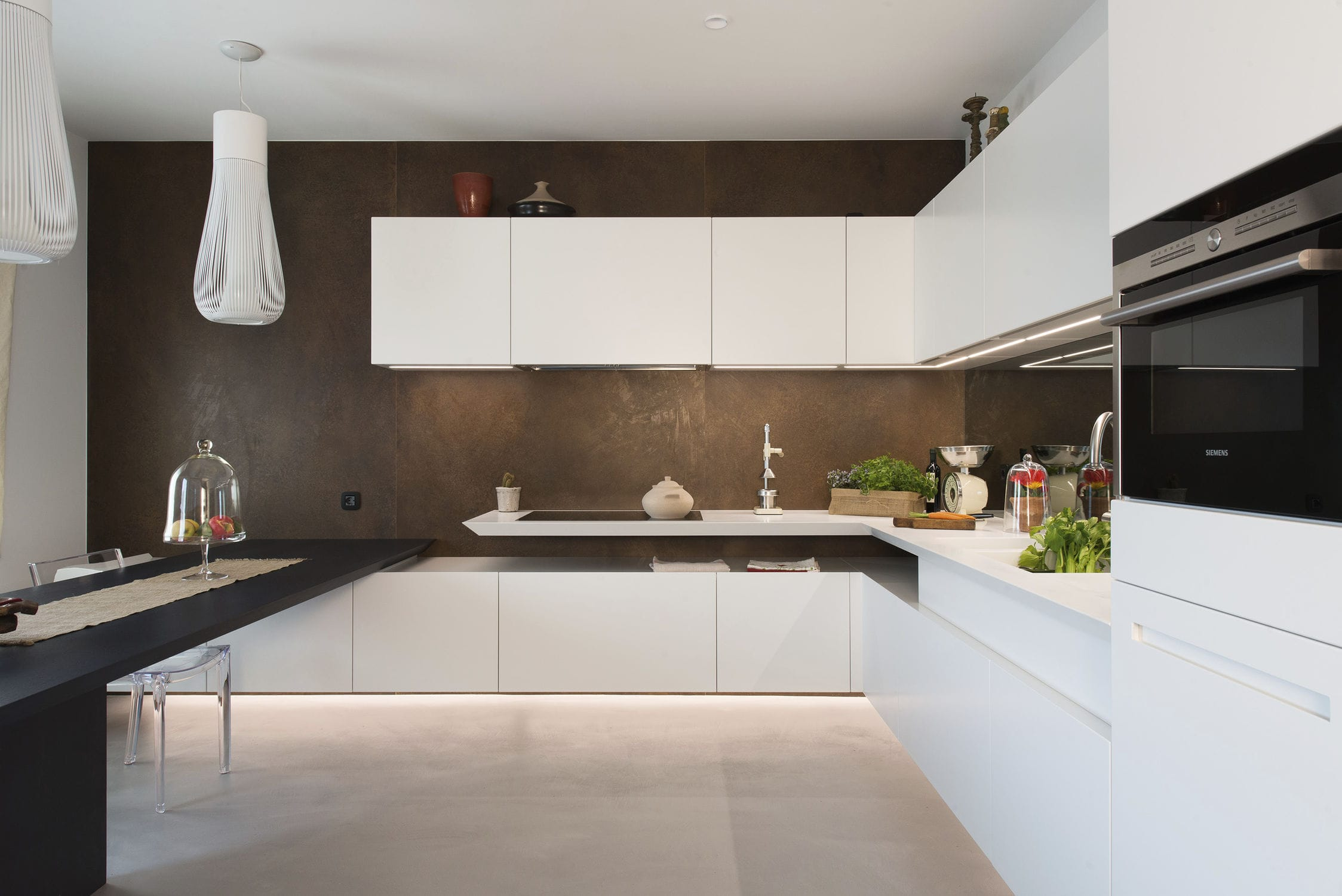 Contemporary kitchen / lacquered wood / Corian® / U-shaped ...