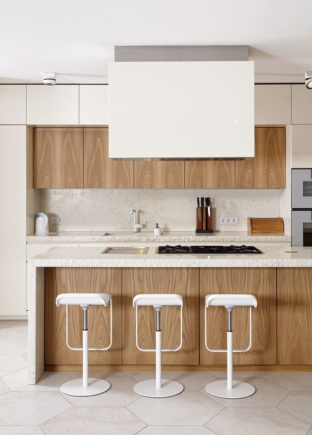 Contemporary kitchen / stone / elm / lacquered wood - 201505 ...