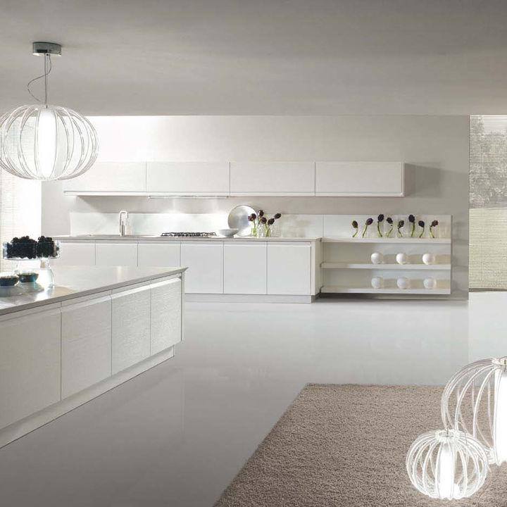 Contemporary Kitchen / Lacquered Wood / High Gloss   ZEROCINQUE
