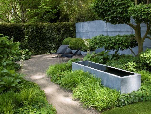 Garden Fountain / Contemporary HZFR DOMANI