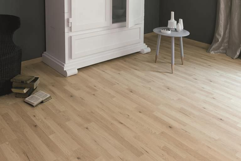 Wooden Laminate Flooring / Floating / Wood Look / Commercial EICHE TREVI  37528 Kaindl ...