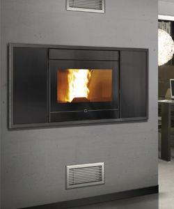 Discover all the information about the product Pellet fireplace insert / remote-controlled 600 - THERMOROSSI and find where you can buy it. Contact the manufacturer directly to receive a quote.