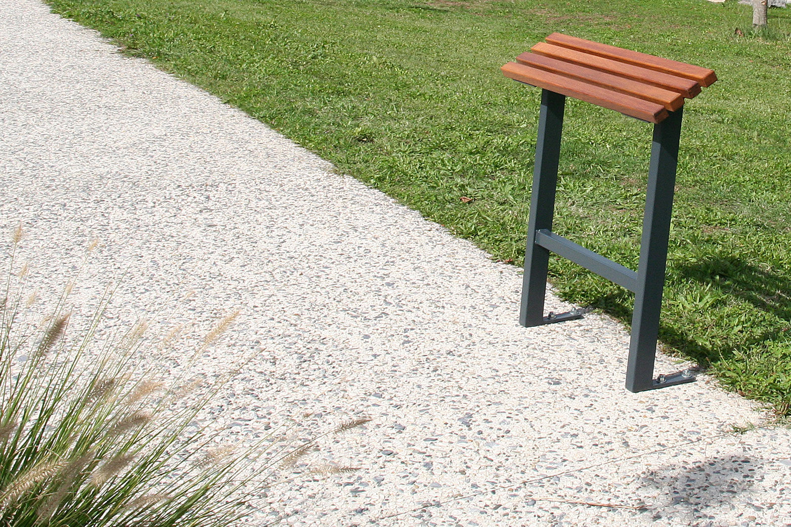 Stand Up Bench / Public / Garden / Contemporary   TIMEO
