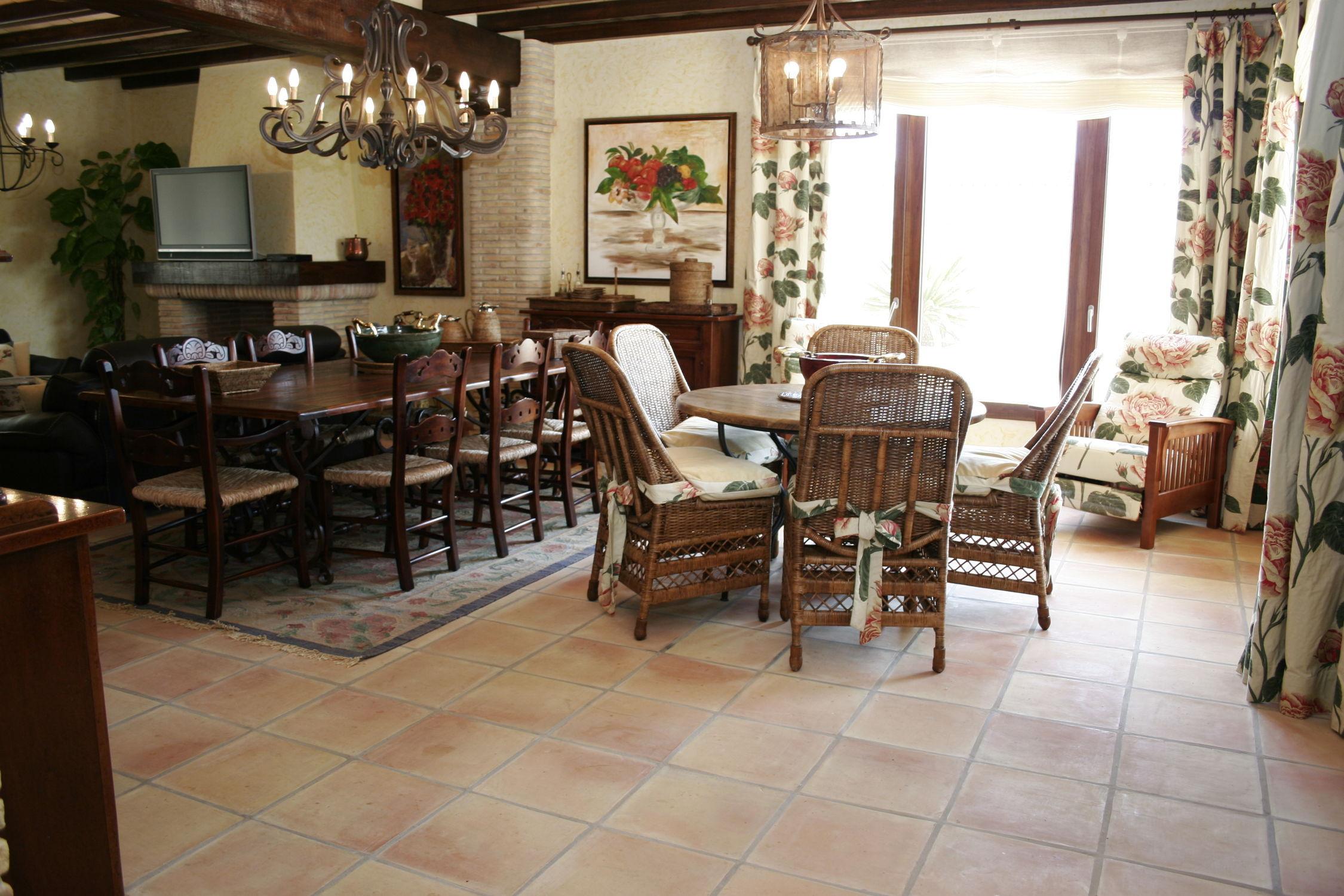 floor tile / terracotta / matte / rustic - square - ceramicas
