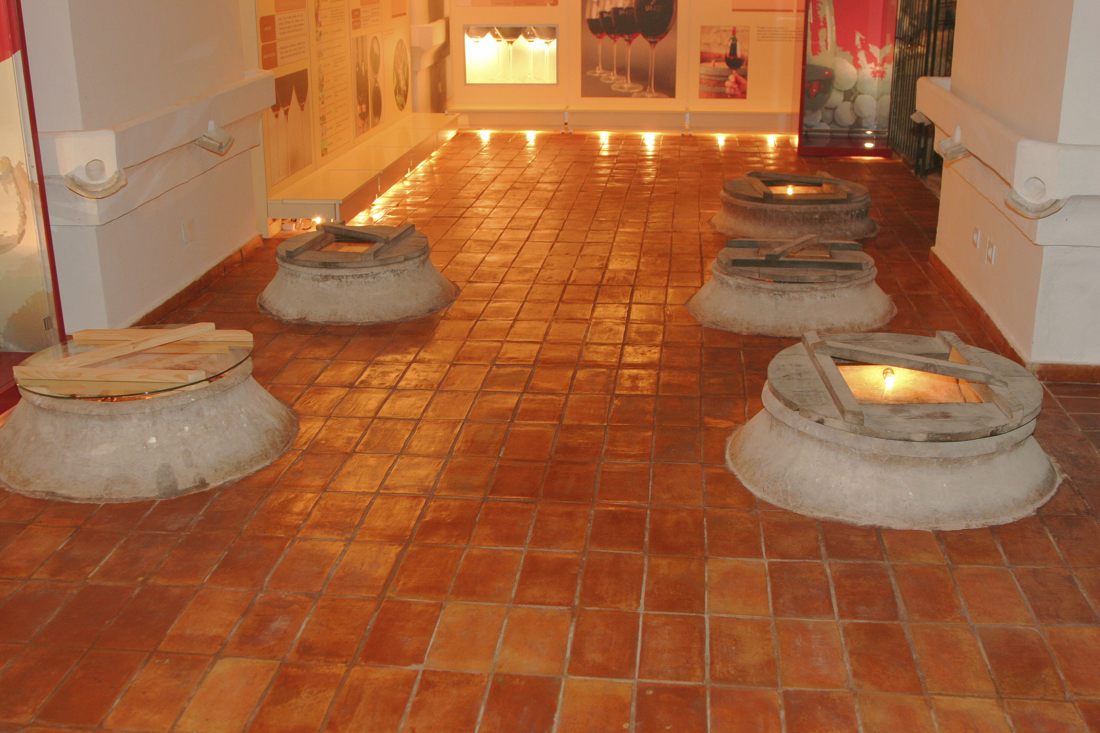 floor tile / terracotta / matte / rustic - rectangular - ceramicas
