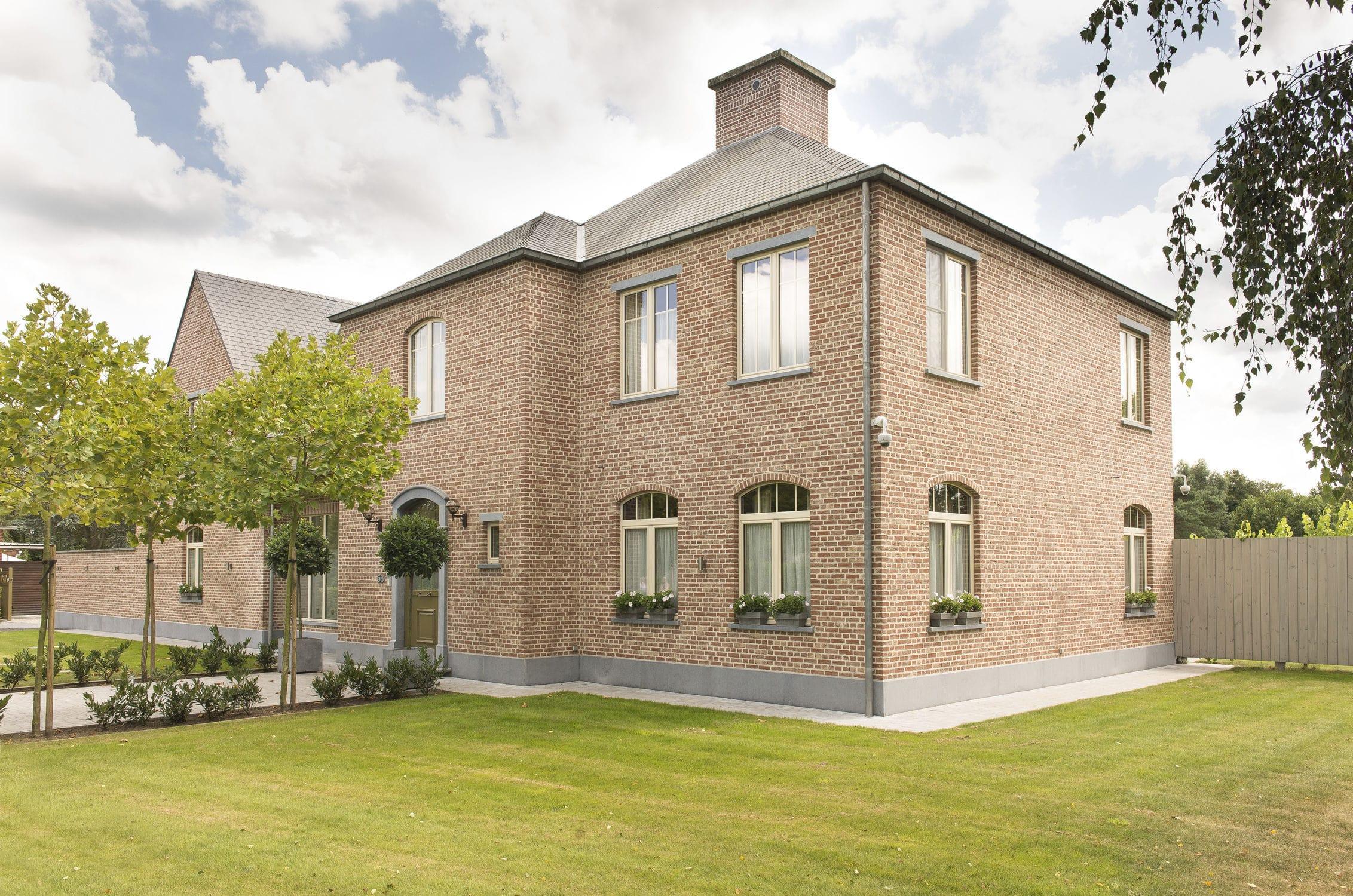 Facing brick for facades for garden enclosures for masonry