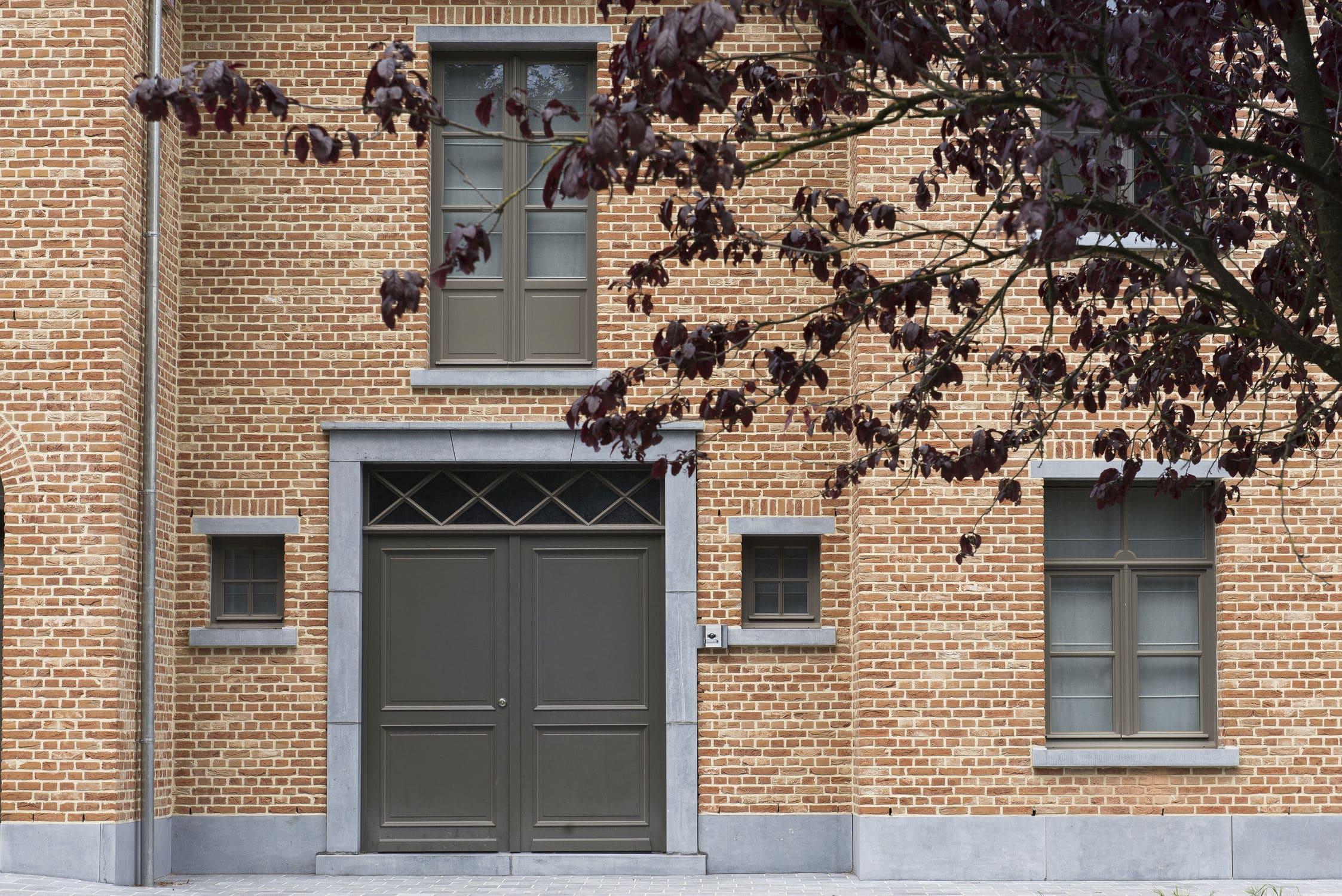 Great Facade Cladding Brick / Orange / Handmade. BELLE EPOQUE DE MARCHE BAEKEL  Nelissen Bricks