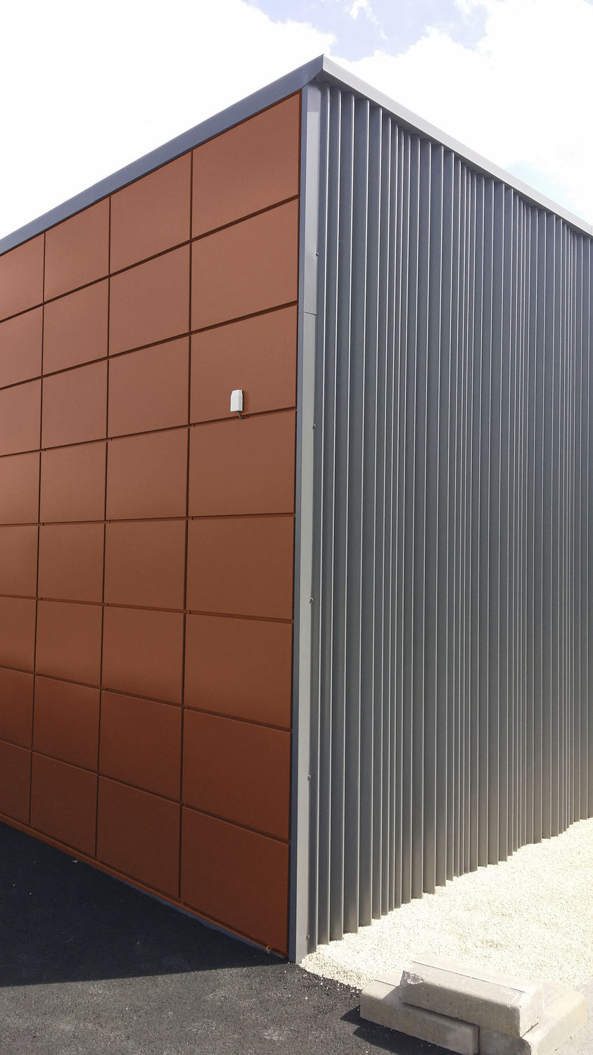 Steel cladding / textured / panel   ji ouragan   joris ide group