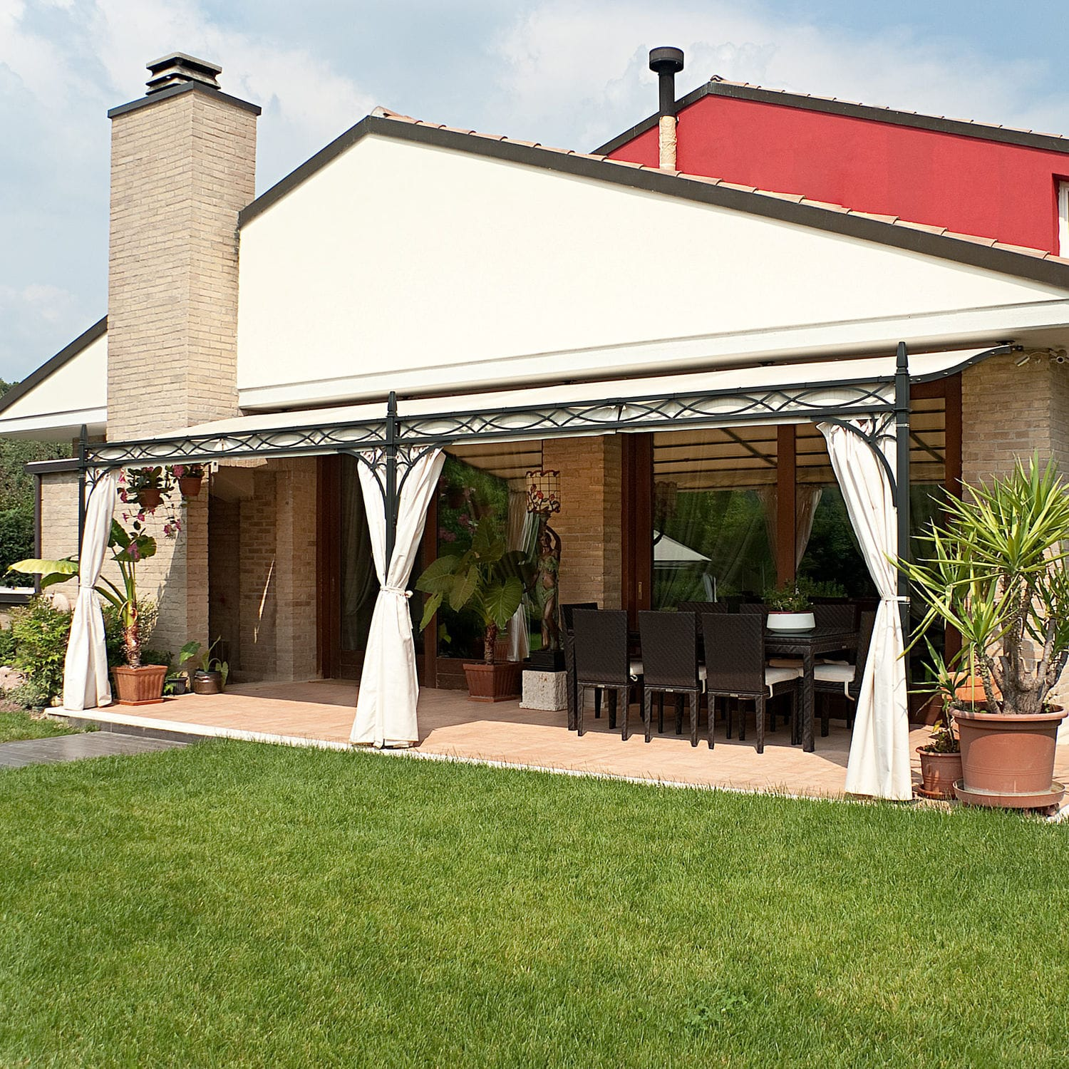 Wall-mounted pergola / wrought iron / fabric canopy / custom - NOVECENTO : wall mounted canopy - memphite.com