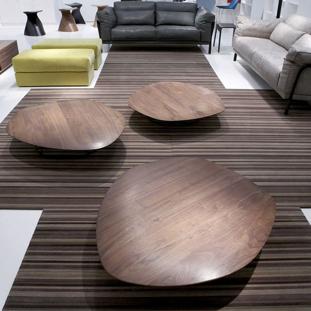 contemporary coffee table / american walnut / lacquered steel