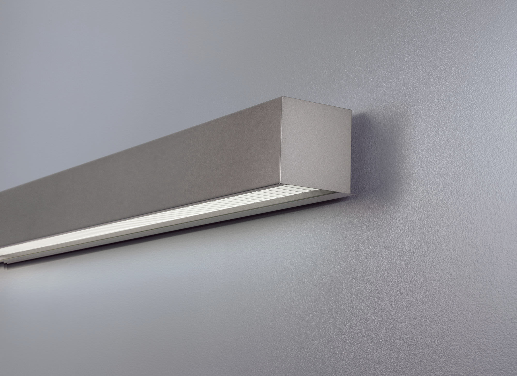 Surface-mounted light fixture / recessed wall / fluorescent / linear ...