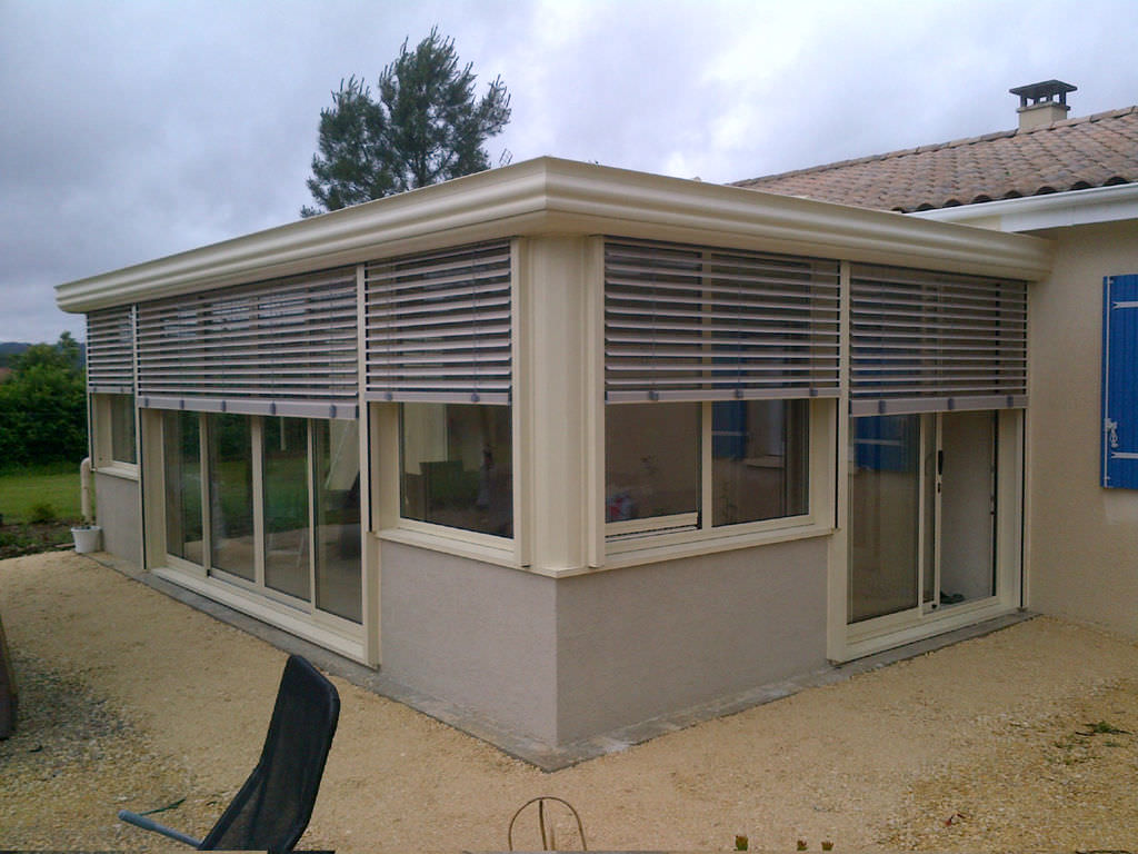 Aluminum Conservatory / With Integrated Roller Shutter   COCOON