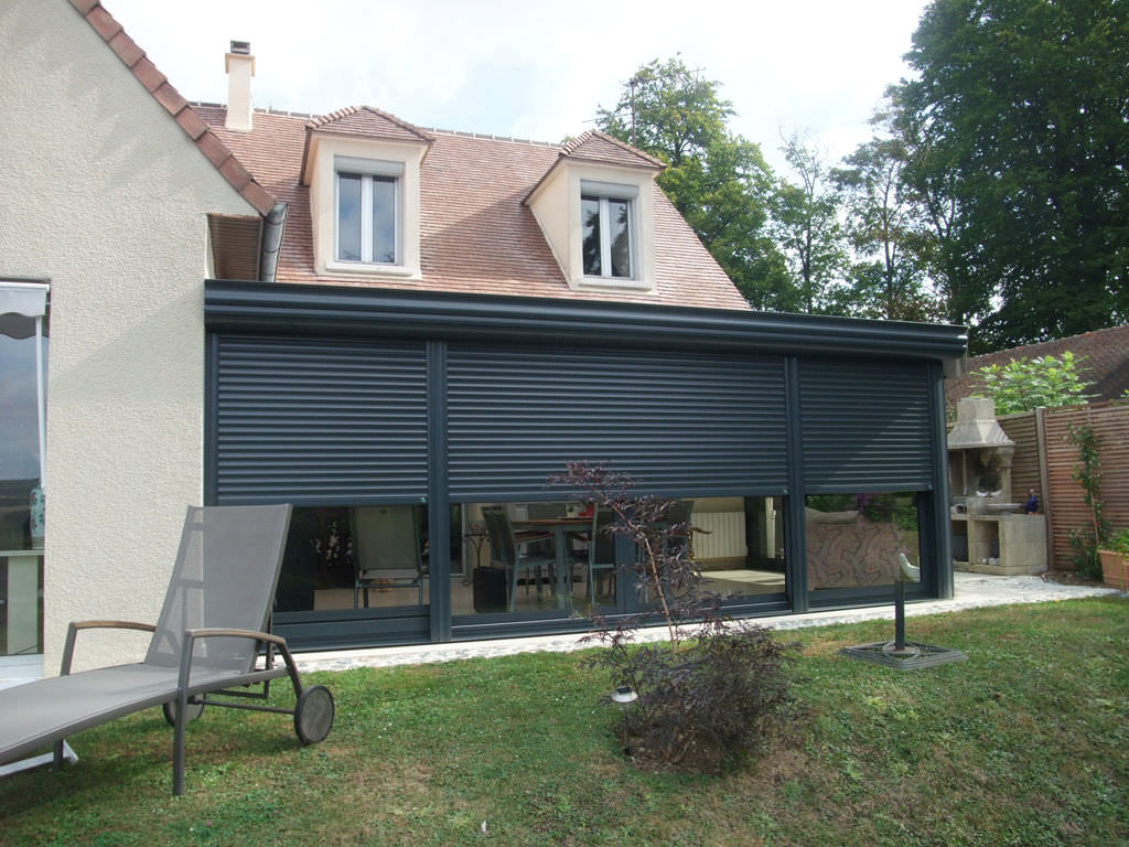 Captivating Aluminum Conservatory / With Integrated Roller Shutter ...