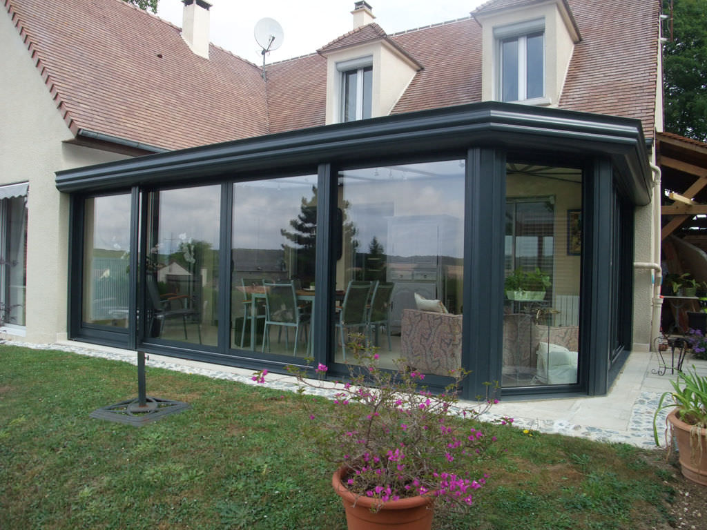 ... Aluminum Conservatory / With Integrated Roller Shutter ...