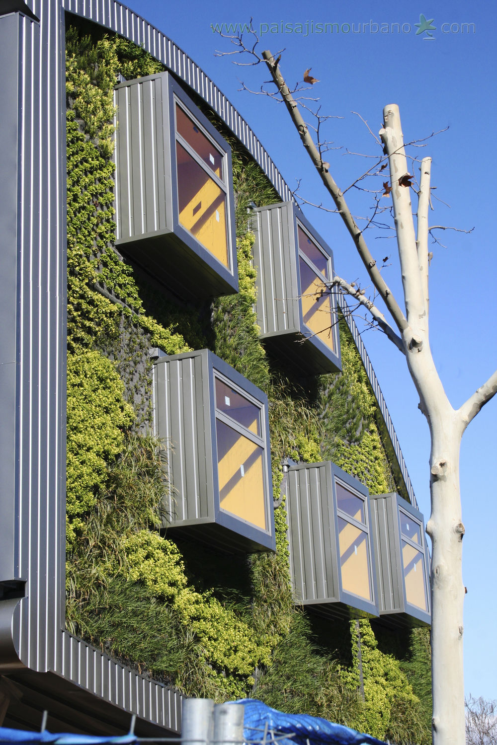 exterior green facade bioclimatic jardin vertical smart building in malaga